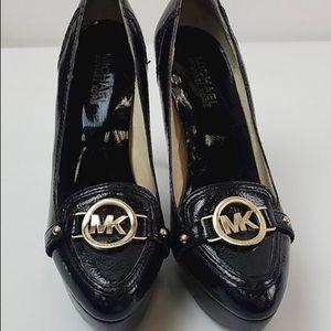 New Listing Michael Kors black heels size 6